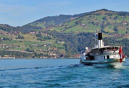 вид на водоём швейцария