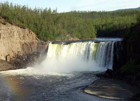 плато путорана водопад